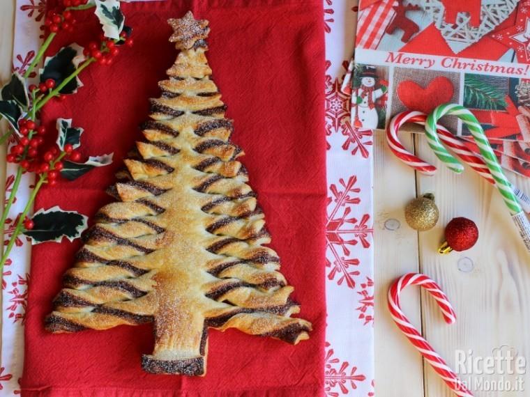 Albero Di Natale Di Pasta Sfoglia.Albero Di Natale Di Pasta Sfoglia Ricettedalmondo It