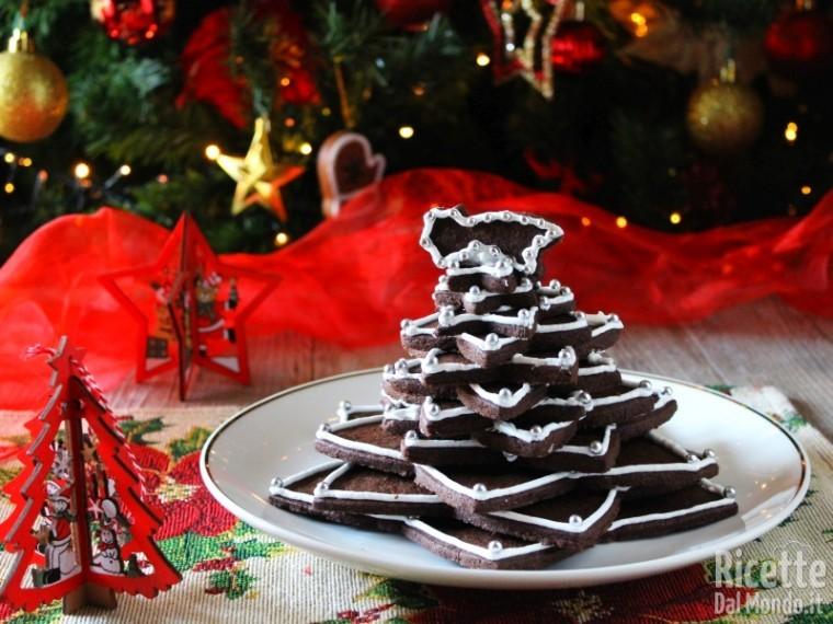 Albero Di Natale Di Biscotti.Albero Di Natale Di Biscotti Al Cioccolato Decorato