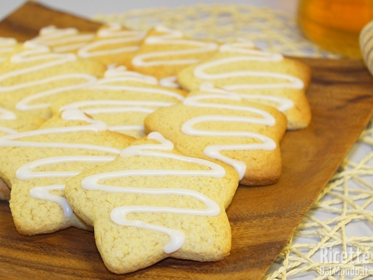 Biscotti Di Natale Al Miele.Biscotti Al Miele E Cannella Morbidi Ricettedalmondo