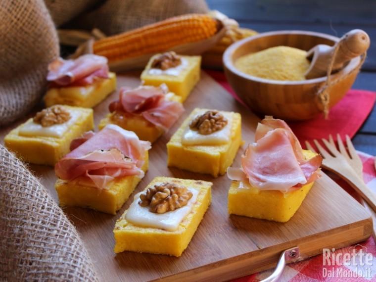 Antipasti Di Natale Con Polenta.Crostini Di Polenta Rustici Ricettedalmondo It