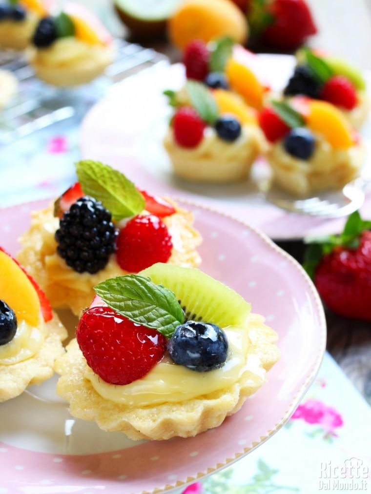 Cestini Di Frutta Con Crema Pasticcera Ricettedalmondo
