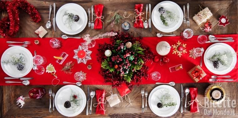 Apparecchiare Tavola Di Natale Foto.Come Apparecchiare La Tavola In Modo Perfetto Anche A Natale