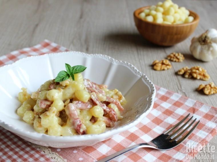 Ricette Con Gnocchi E Speck.Gnocchetti Speck Stracchino E Noci Ricettedalmondo It