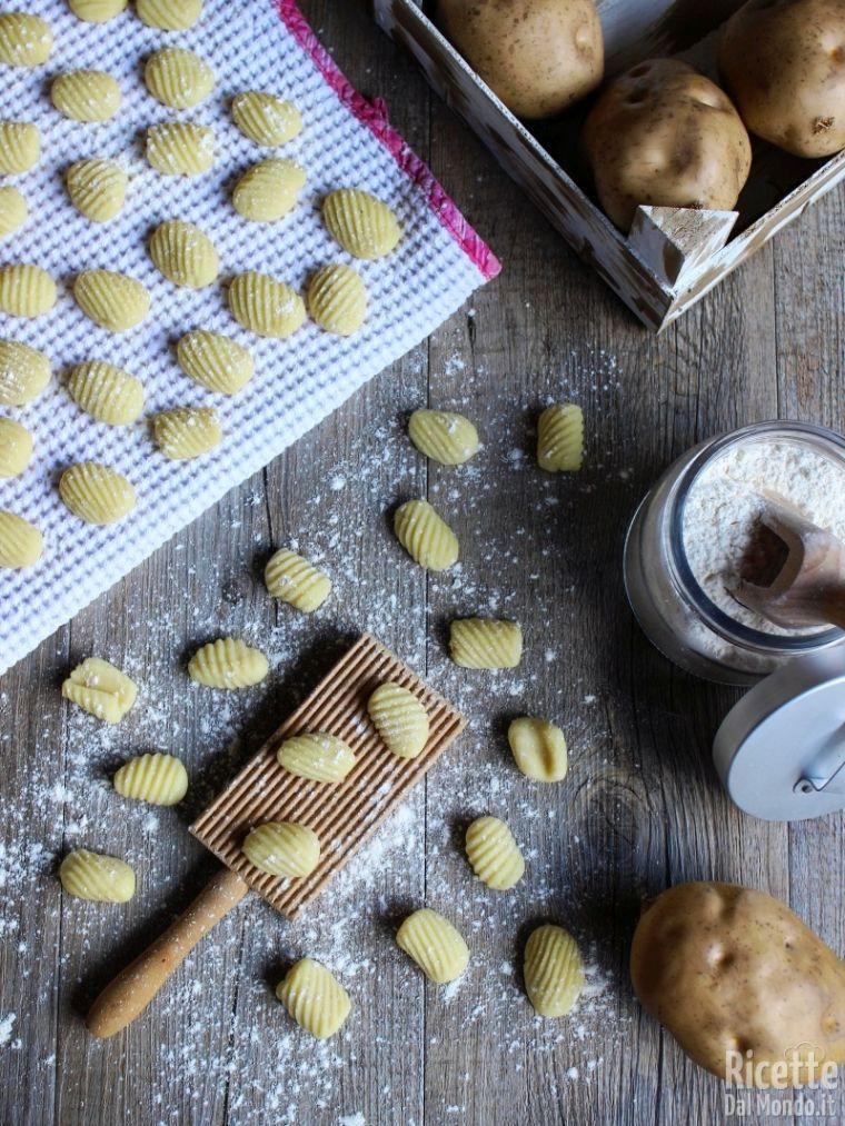 Gnocchi Di Patate Ricetta Originale.Gnocchi Di Patate Fatti In Casa Ricettedalmondo It