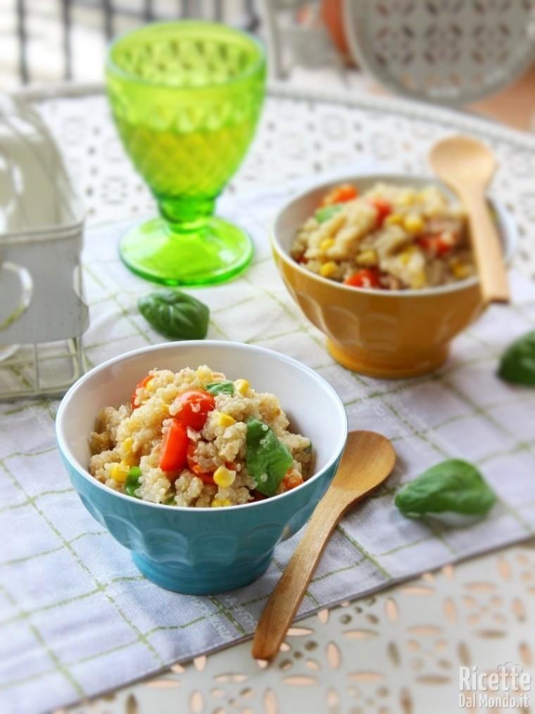 Ricetta Quinoa Con Tonno E Verdure.Insalata Di Quinoa E Tonno Ricettedalmondo It