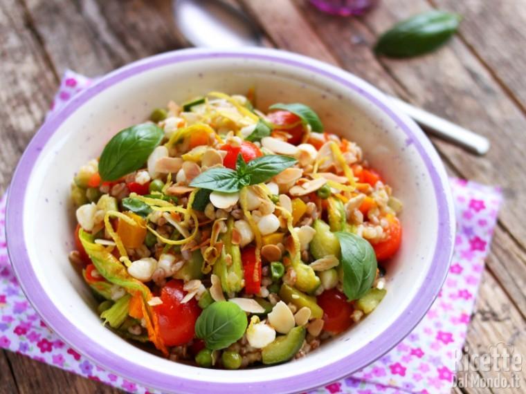 Ricette Orzo Vegetariano.Insalata Di Orzo E Farro Con Verdure Ricetta Light E Vegetariana