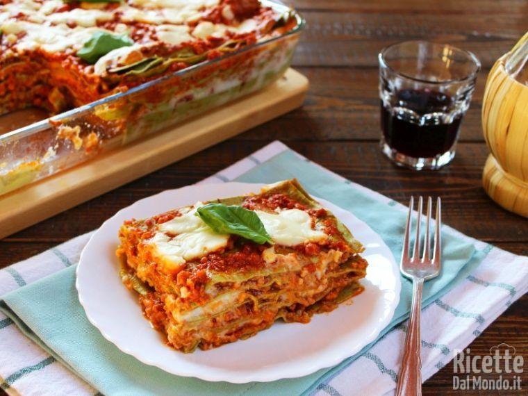 Ricetta Lasagne Verdi Alla Bolognese.Lasagne Verdi Con Ragu Alla Bolognese Ricettedalmondo