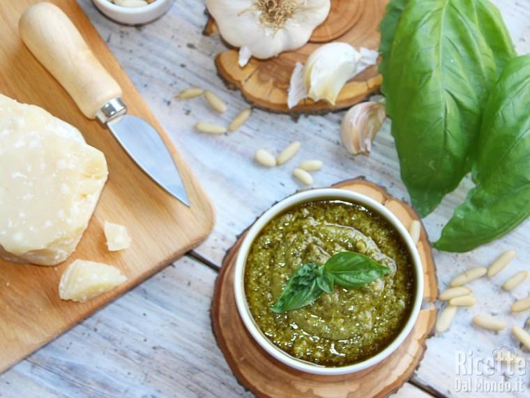 Ricetta Pesto Genovese Bimby.Pesto Genovese Bimby Fatto In Casa Ricettedalmondo It