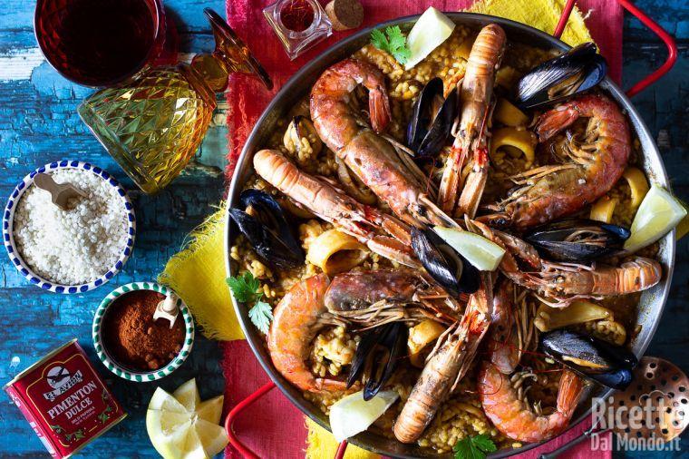 Paella de marisco ai frutti di mare