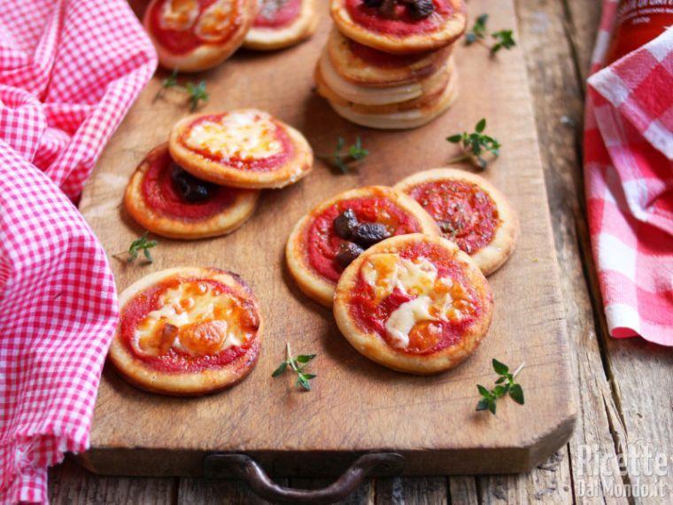 Ricette Pasta Madre Rinfrescata.Pizzette Con Esubero Di Pasta Madre Marianna Pascarella