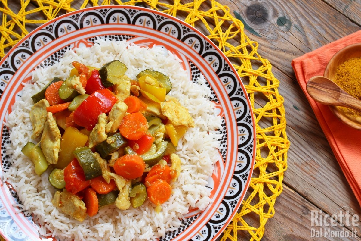 Pollo al curry con verdure miste