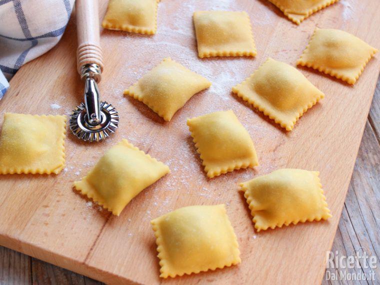 Ricetta Ravioli Per 2 Persone.Ravioli Fatti In Casa Marianna Pascarella