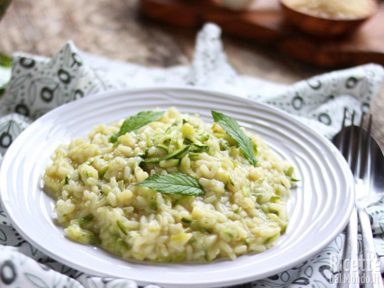 Risotto con le zucchine, semplice e leggero | Marianna Pascarella