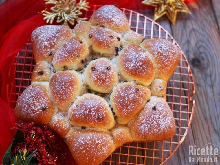 Pane A Forma Di Stella Di Natale.Stella Di Panini Morbidi Con Gocce Di Cioccolato Marianna Pascarella