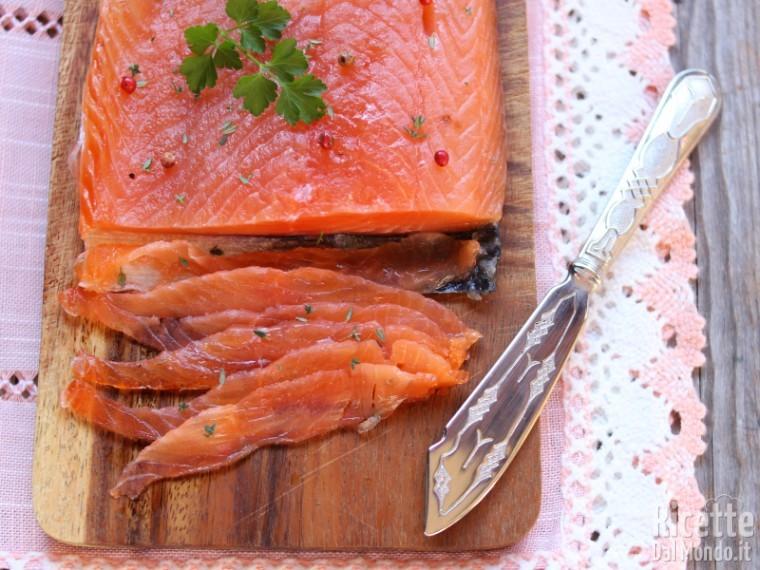 Ricetta Salmone Norvegese Affumicato.Salmone Marinato Alla Svedese Gravlax Marianna Pascarella