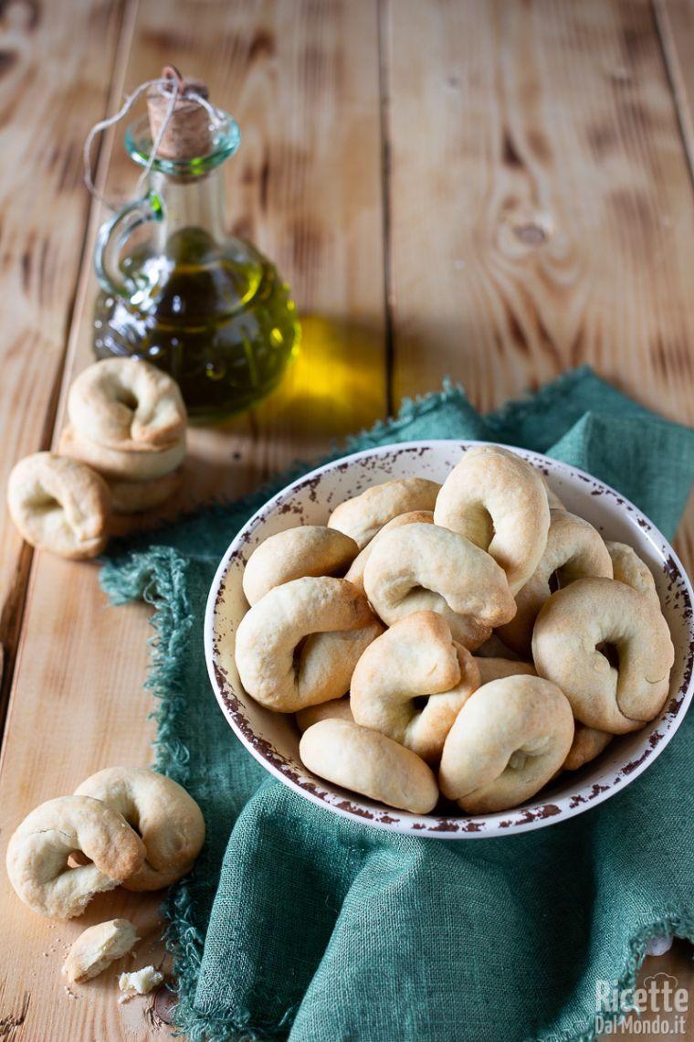 Ricetta Taralli Pugliesi Con Lievito Madre.Tarallini All Olio Con Esubero Di Pasta Madre Marianna Pascarella