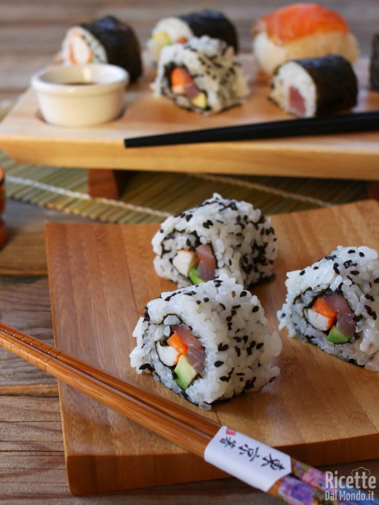 Uramaki Ricetta Facile.Uramaki Sushi California Roll Marianna Pascarella